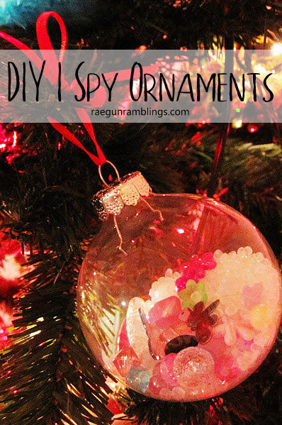 How to make I Spy ornaments. Great kids craft christmas activity