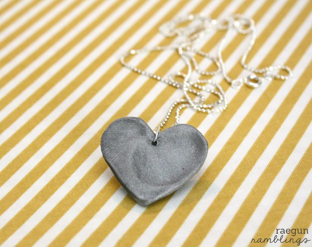 Double fingerprint necklace tutorial
