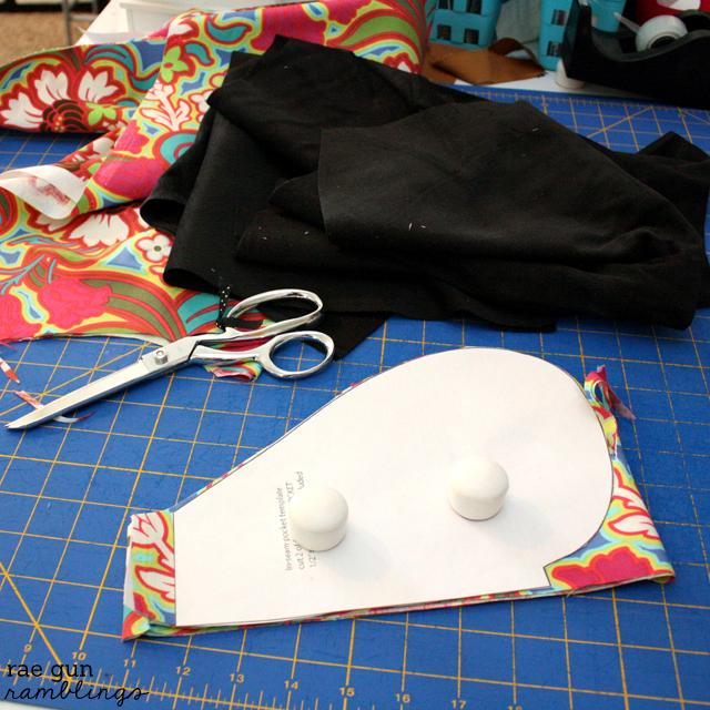 Sewing Pockets at Rae Gun Ramblings