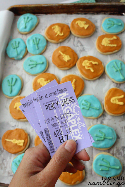 Just in time for the new #percyjackson movie a fun #tutorial for festive #cookies from Rae Gun Ramblings