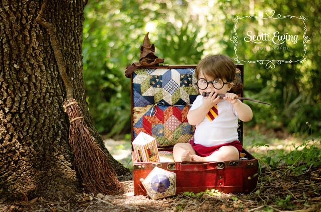 Harry Potter baby Hogwarts costume from raegun.etsy.com