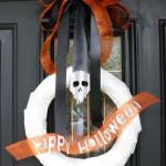 Simple Happy Halloween wreath tutorial - Rae Gun Ramblings #modpodge #diy #craft #HalloweenMP