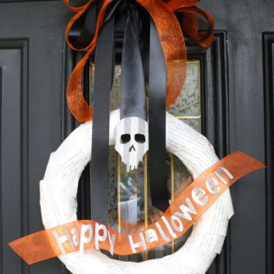 Spooky Bookish Halloween Wreath Tutorial