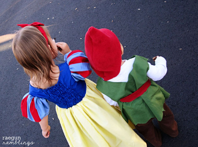 Snow White and Dwarf Halloween costume and lots of costume making tips at Rae Gun Ramblings