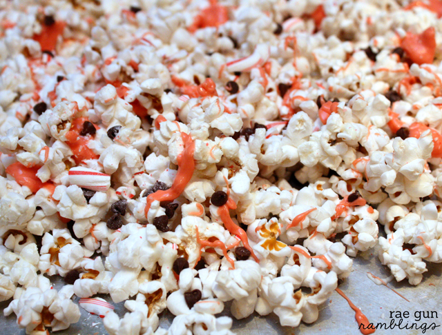 Candy Cane White Chocolate Popcorn Recipe. Yummy and easy idea for neighbor gifts - Rae gun Ramblings