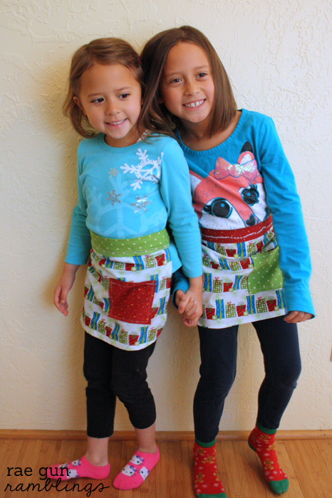 Free Kid\'s Apron Sewing Pattern and Tutorial - Rae Gun Ramblings