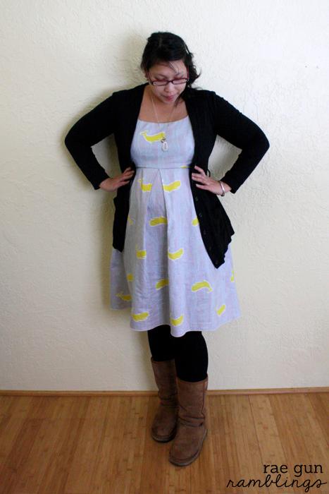 Simple pleat maternity dress at Rae Gun Ramblings