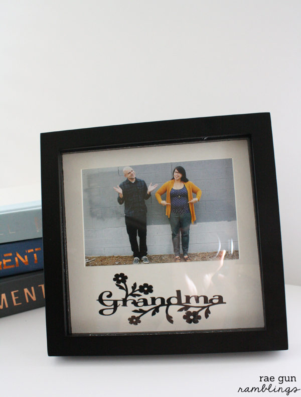 Simple upcycled picture frame tutorial. Gift idea and tutorial from Rae Gun Ramblings