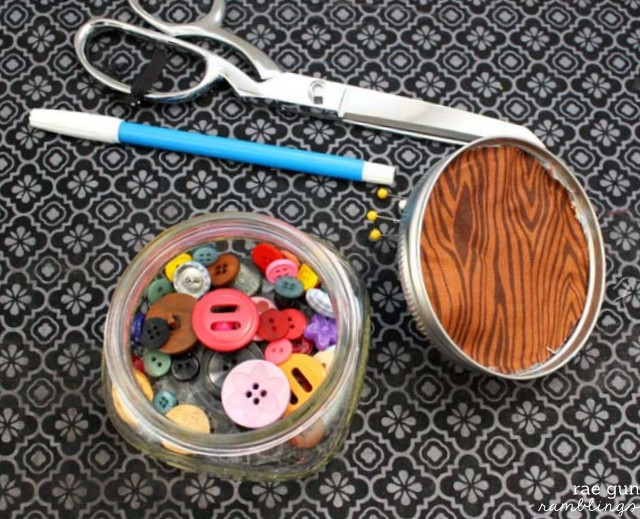 Fun gift idea. Mason jar pin cushion. Tutorial at Rae Gun Ramblings