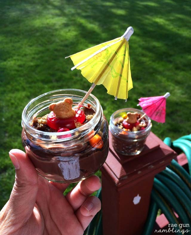 Darling Teddy Bear beach snack cups - Rae Gun Ramblings