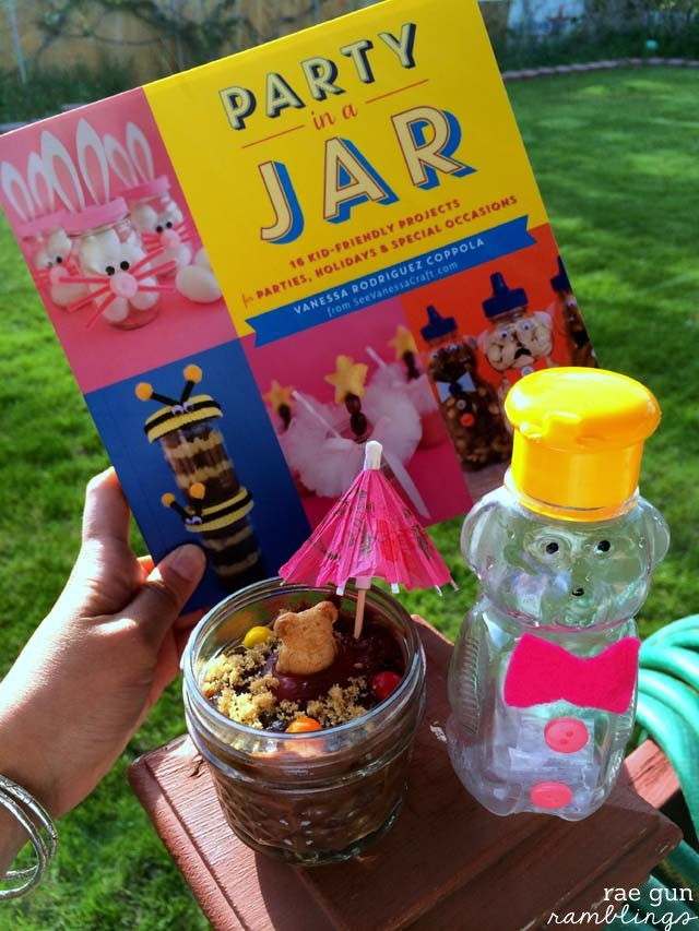 Great resourse for Summer break! Party in a Jar 16 awesome projects for kids - Rae Gun Ramblings