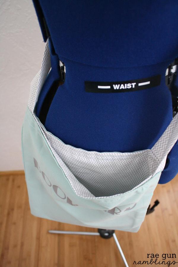 How to make a reversible book bag in 15 minutes at Rae Gun Ramblings