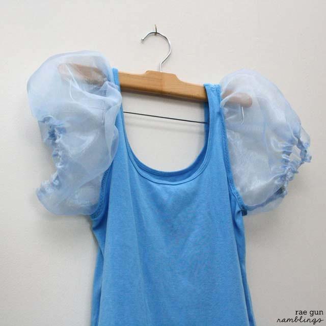 Easy Cinderella shirt tutorial from Rae Gun Ramblings