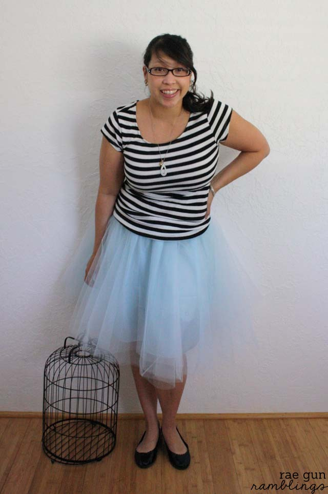 How to make a tulle circle skirt in just 30 minutes - Rae Gun Ramblings