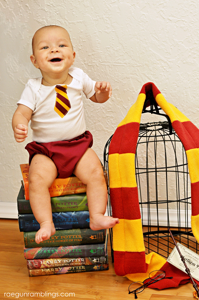 Oh my gosh! So many fun cute baby Harry Potter inspired pictures. Rae Gun Ramblings