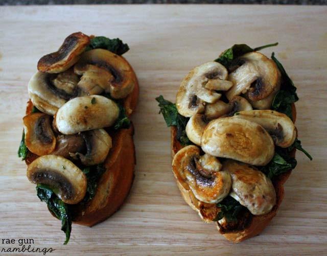 Spinach Mushroom Toast-001s