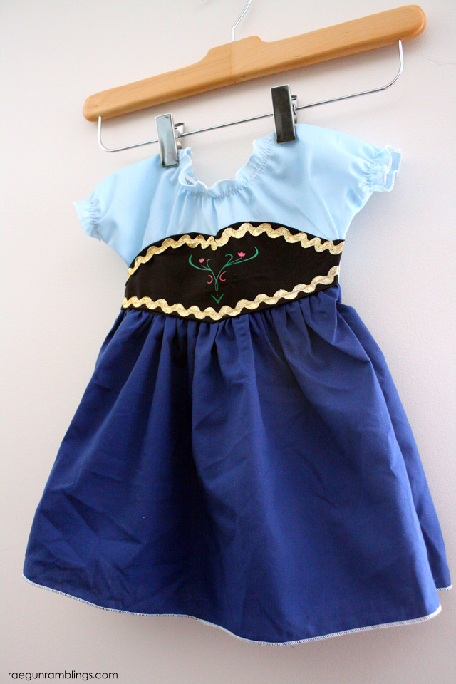Frozen Anna Tutorial - Rae Gun Ramblings & Baby Frozen Anna Costume Tutorial + Over 80 Costume Tutorials - Rae ...