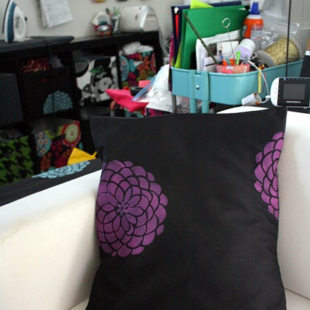 Super cute and easy stenciled pillow. And great craft room inspiration - Rae Gun Ramblings
