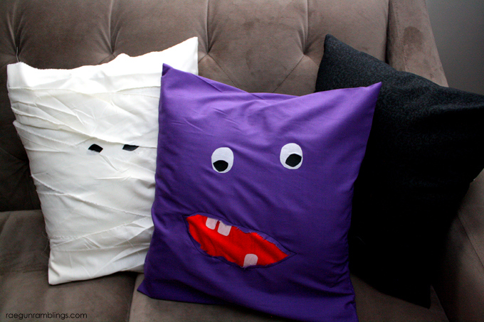 Darling Halloween pillow cases tutorials - Rae Gun Ramblings