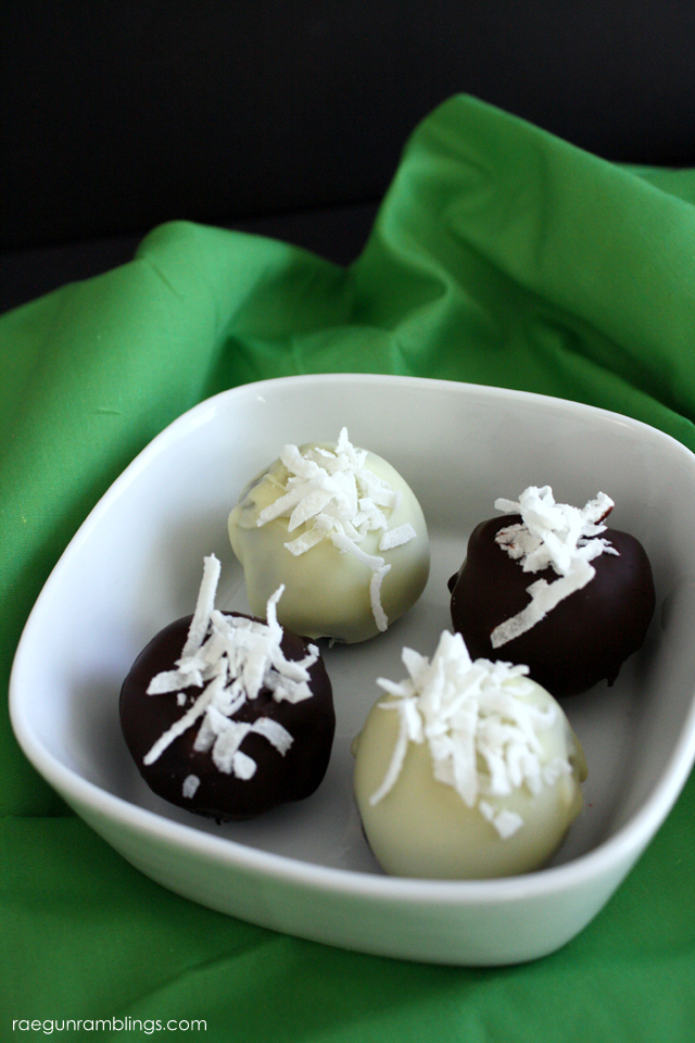 Delicious coconut OREO truffles recipe - Rae Gun Ramblings