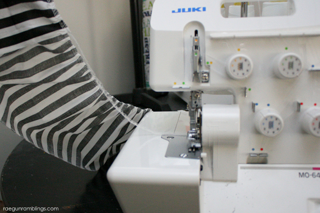 Great tutorial for how to gather on a serger without a special attachment or foot - Rae Gun Ramblings