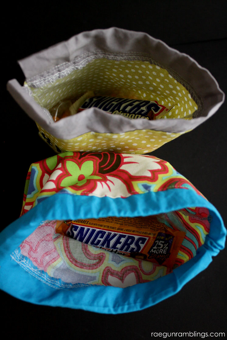 20 minute snack bag tutorials. Greatfabric scrap and beginner project
