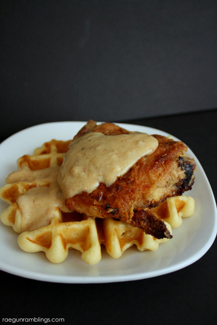 Delicious Chicken with buttermilk waffles recipe. Delicious breakfast, lunch or dinner.