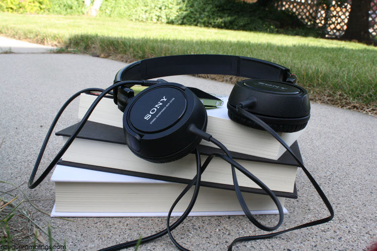 Awesome audiobooks to check out. Great reading list for road trips.
