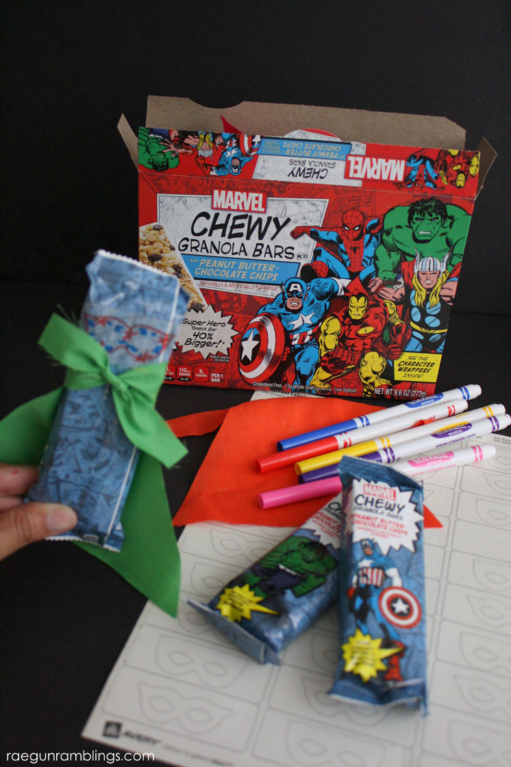 Fun easy super hero snack idea. great for school lunch and parties. free printable included