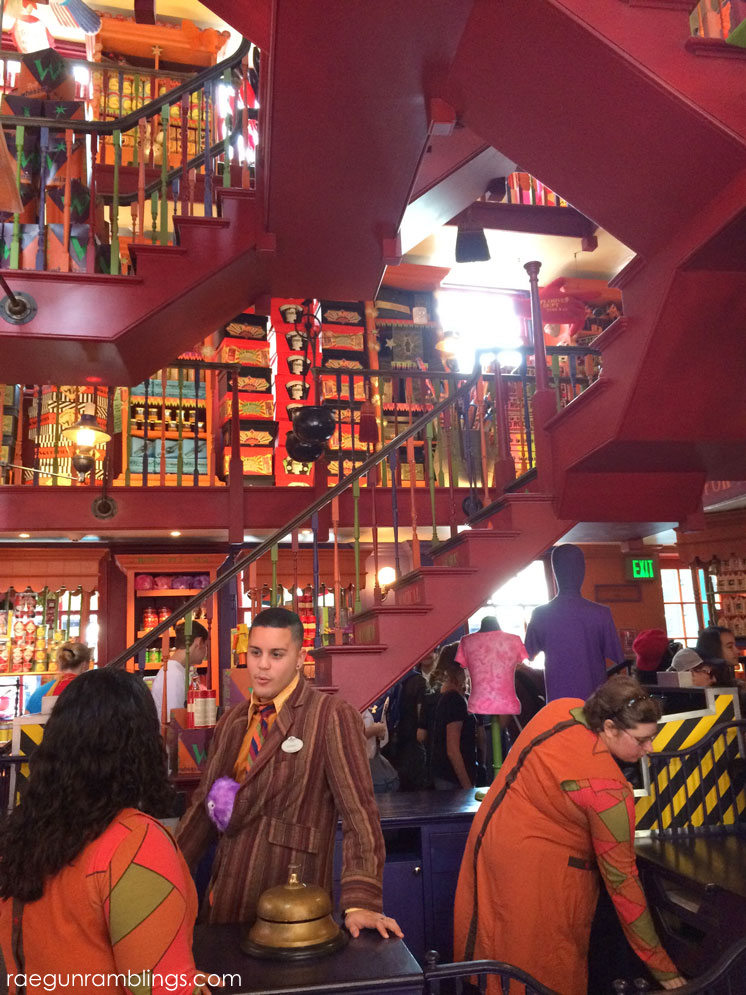 photo tour of wizarding world of harry potter inside the joke shop plus so much more.