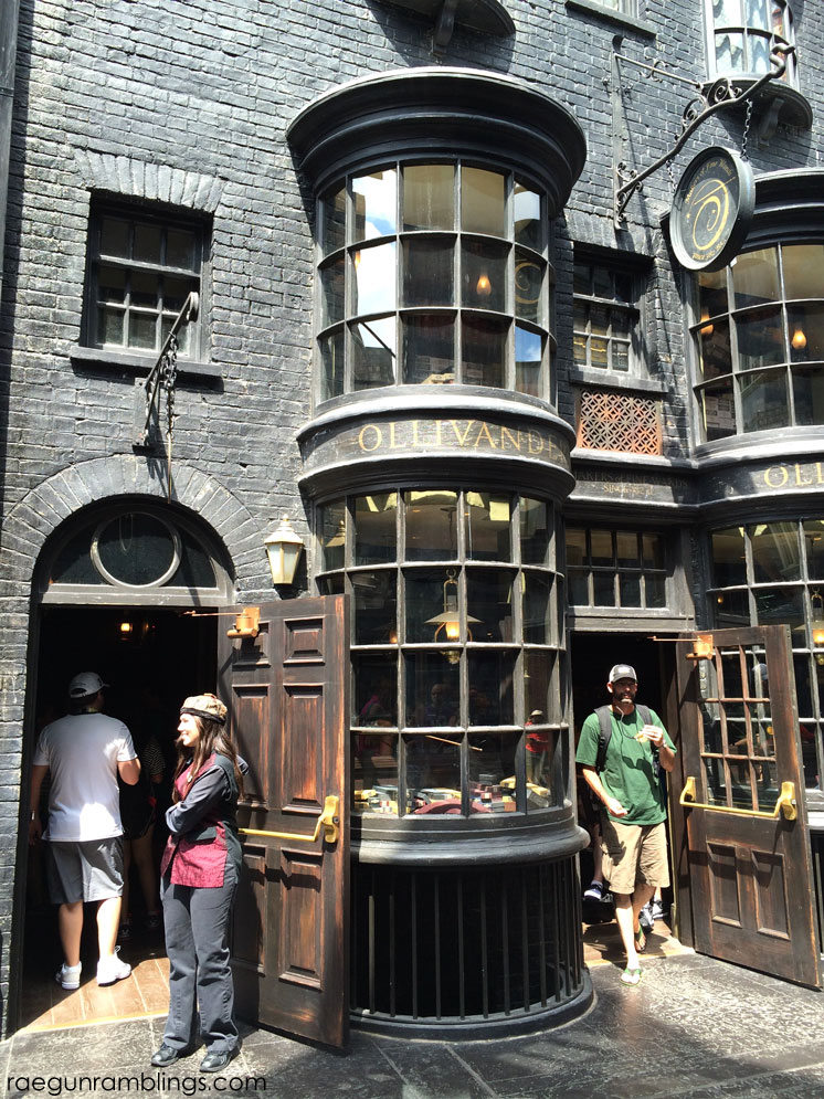 Ollivander's Wand Shop and Wizarding World of Harry Potter tour through pictures