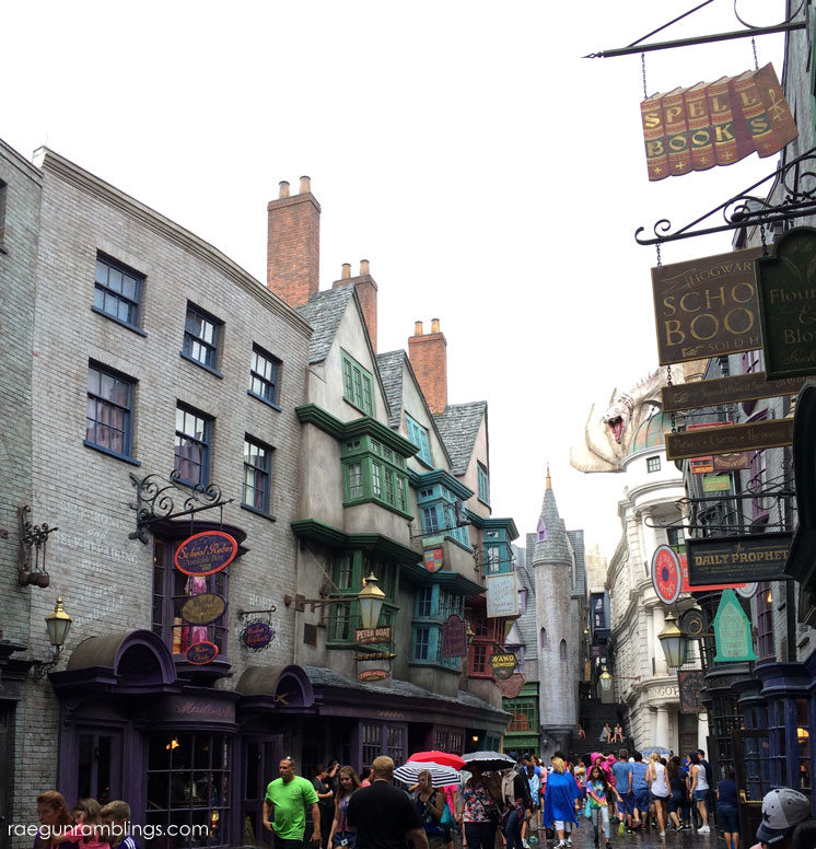 SO cool Hogsmeade, Diagon Ally and more Thestrals and Lots of pictures so you can experience what it's like to walk through the wizarding world of harry potter