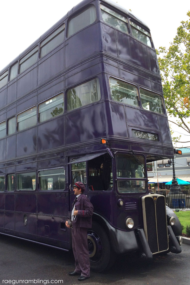 The knight bus and LOTS of pictures of Harry Potter stuff from universal (photo tour)