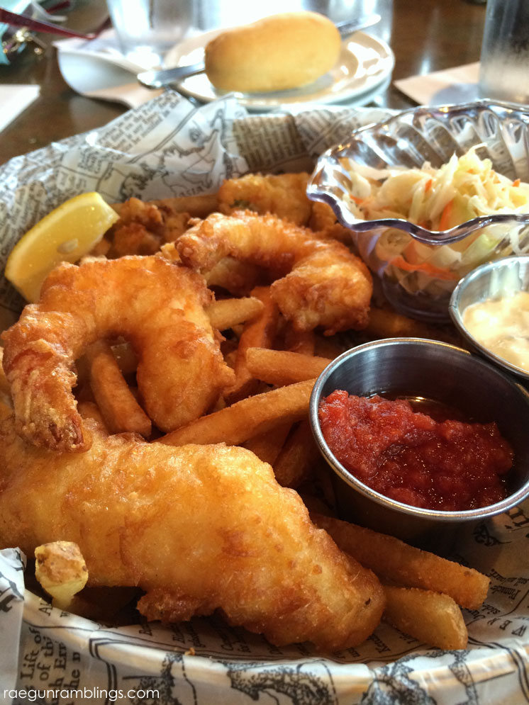 Best food at Universal Orlando - fisherman's basket