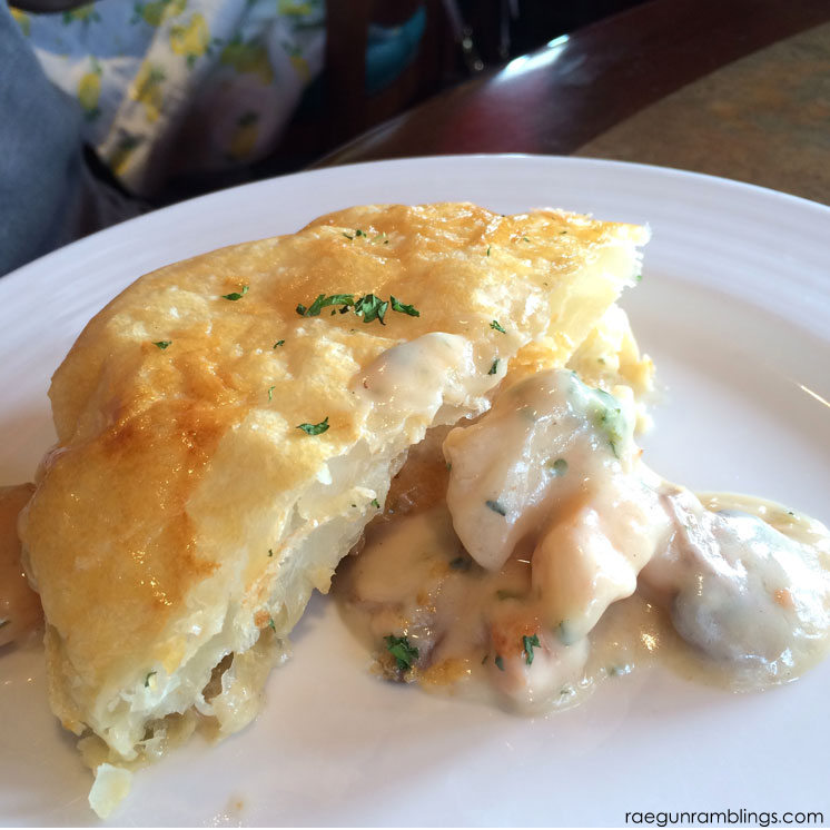 Top foods at universal orlando - seafood pot pie