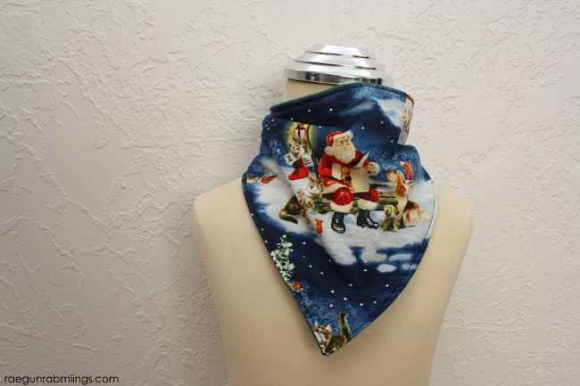 Holiday handkerchief scarf 10 minute tutorial