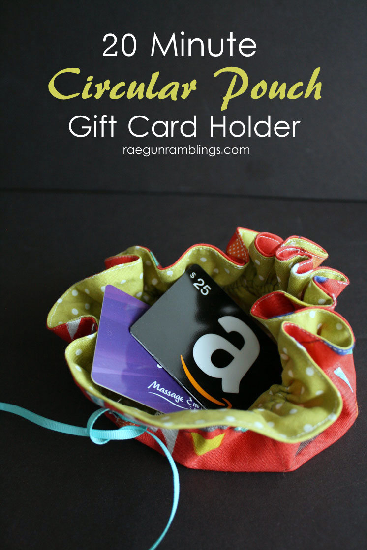 Super easy sewing tutorial for a circular pouch. great DIY gift card holder and reusable bag