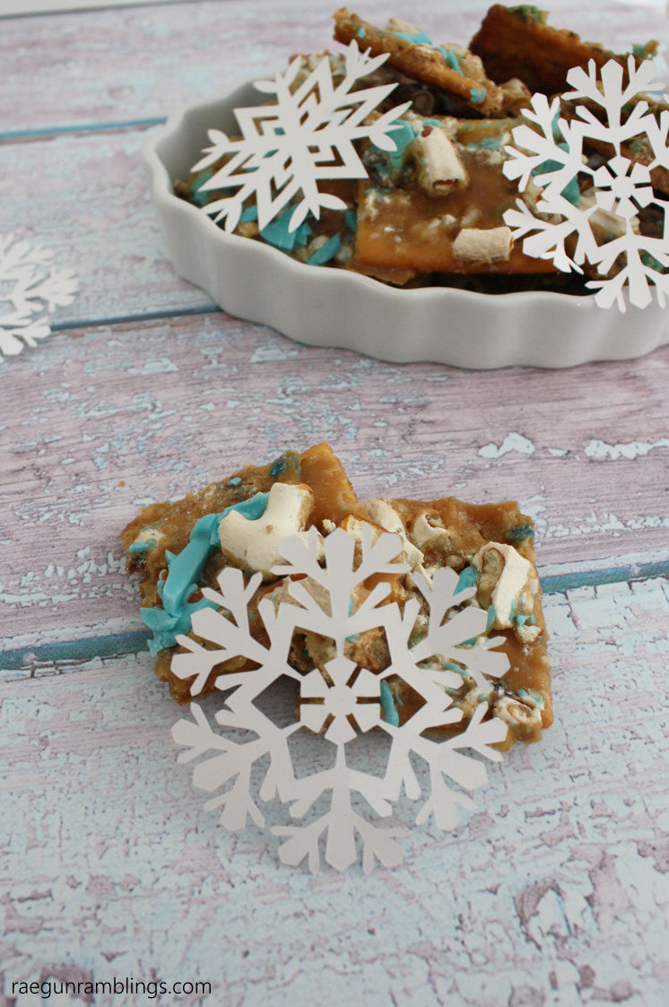 Super easy sweet treat cracker cookies recipe. Frozen inspired. like confetti crisps but lighter