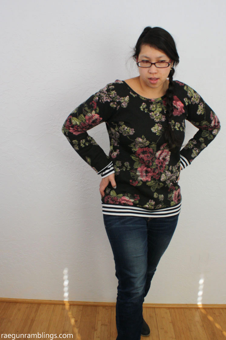 Love this how to take a regular raglan and turn it into a slouchy sweatshirt