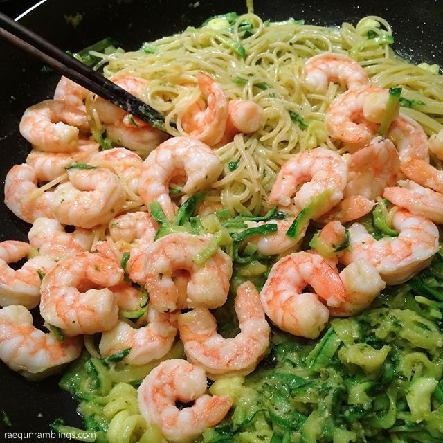 Easy way to please everyone with regular pasta and zoodles. zucchini noodles. 20 minute creamy pesto and shrimp recipe. SO yummy for weeknight dinners