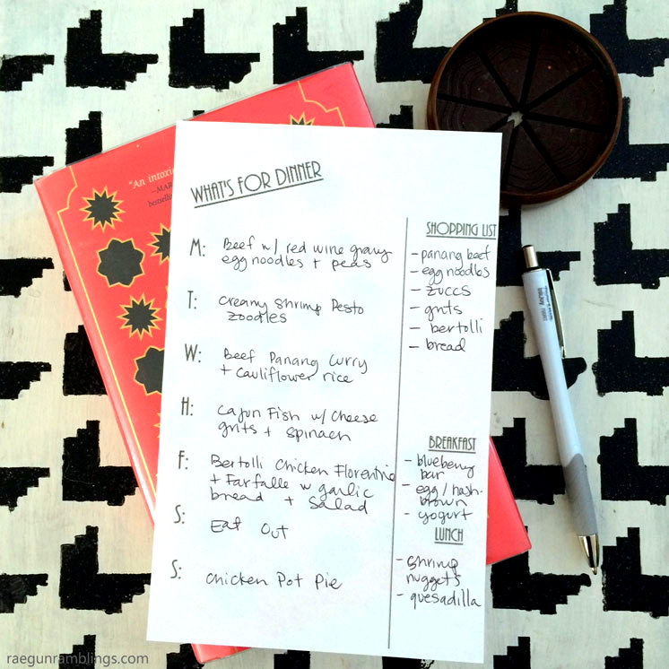 must read tips for family meal planning and free meal planning printables