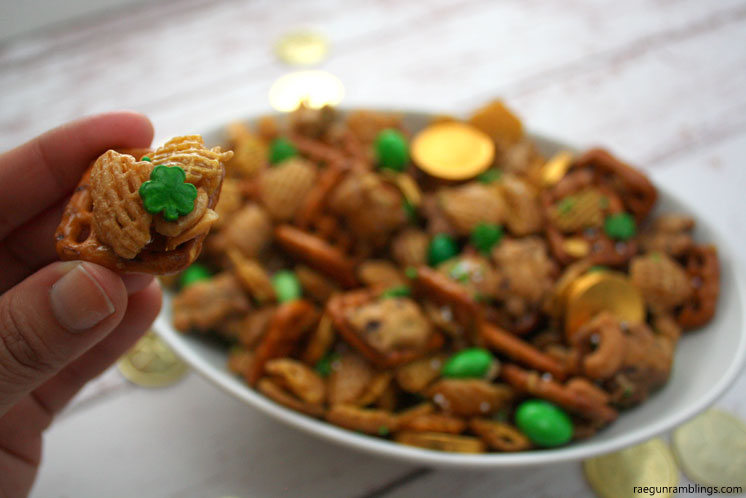 One of our favorite St. Patrick's Day recipes snack mix - raegunramblings.com