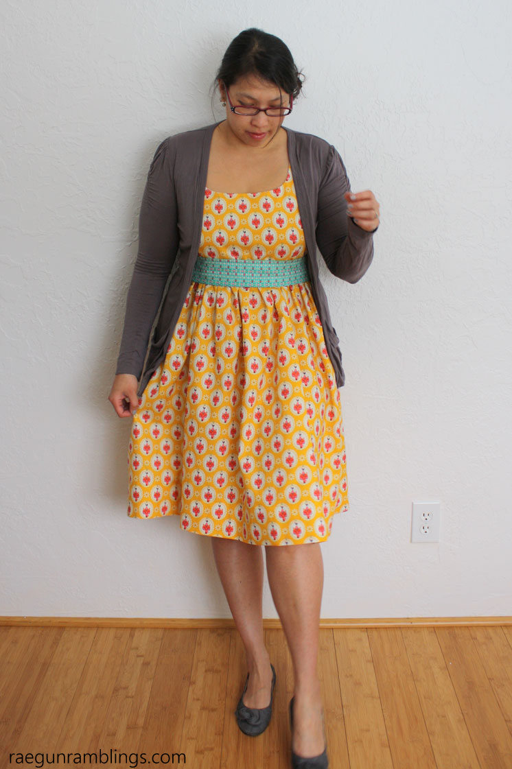 Elastic back panel tutorial sewing fit hack rae gun ramblings youd nee guess this diy dress is stretchy in the back great sewing ombrellifo Choice Image