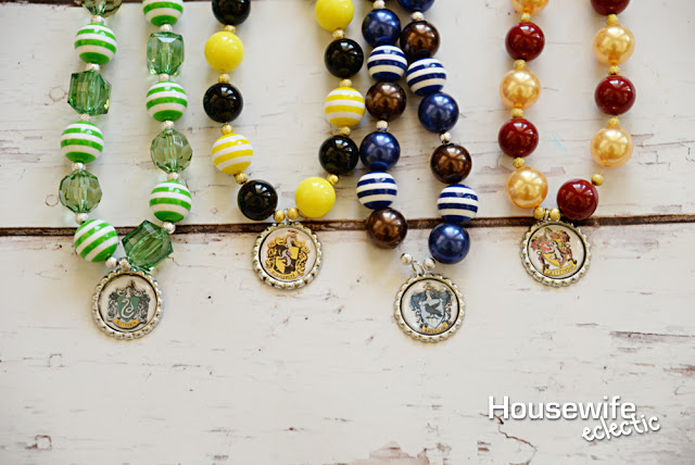 Harry Potter House Necklaces super cute craft tutorial and great kid activity