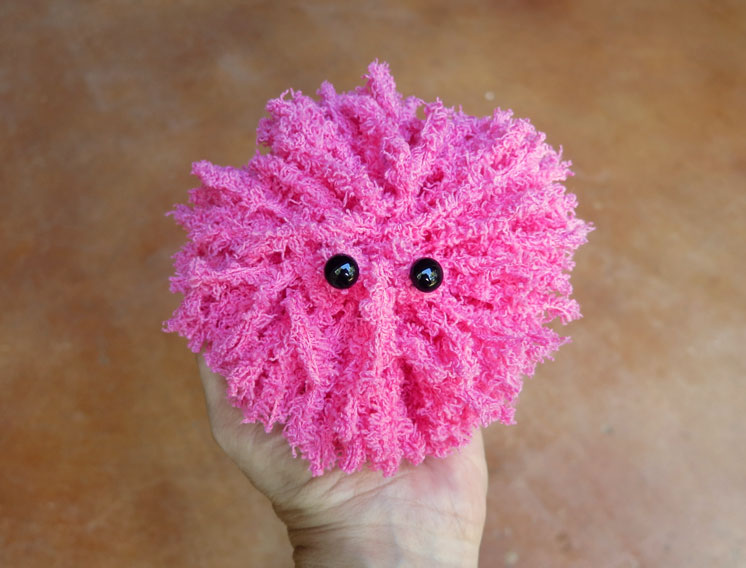 pygmy-puff-tutorial. How fun make your own Harry Potter inspired creatures