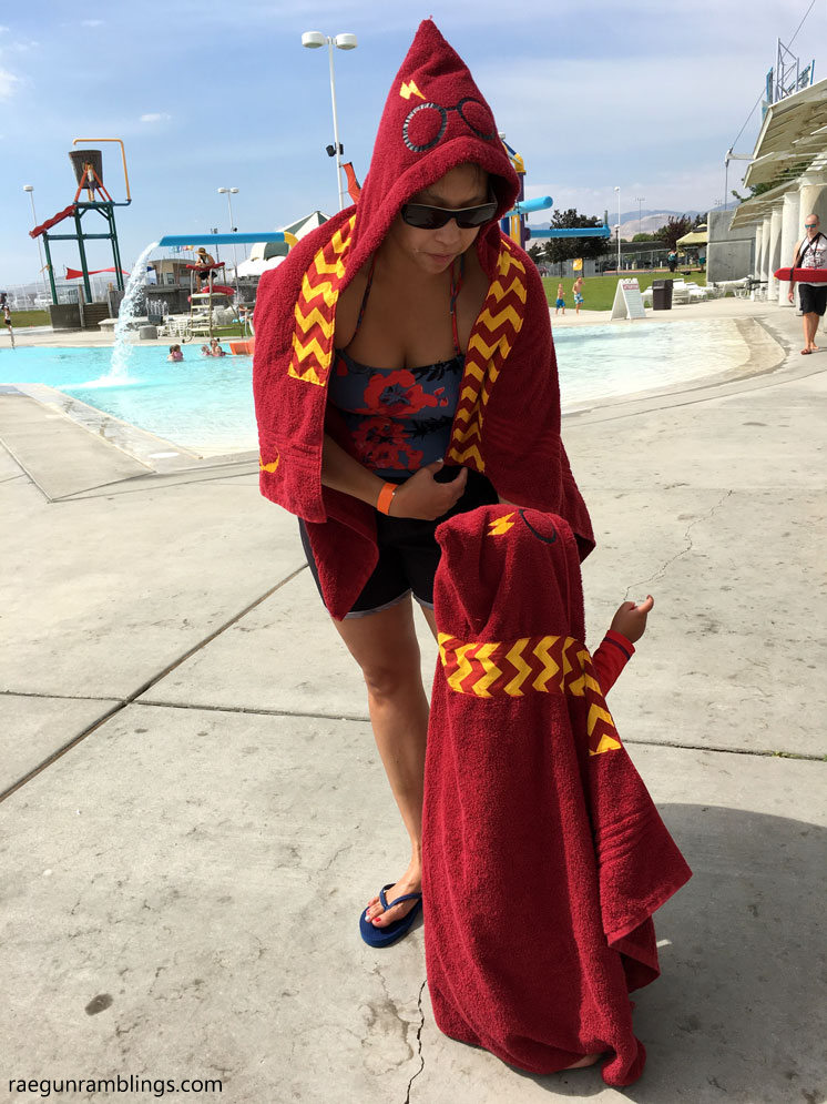 Mommy and me Harry Potter towels. Great DIY sewing tutorial or a place to just buy them already made.