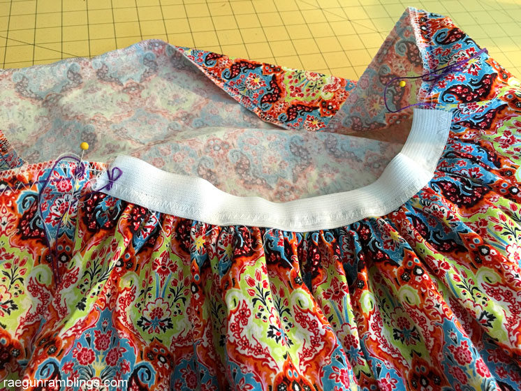 60 minute big bow skirt tutorial. Easy sewing project.
