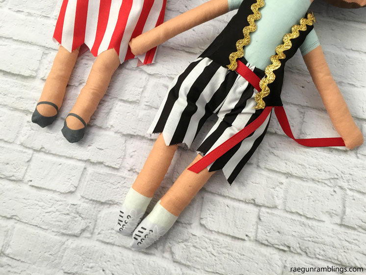 Darling DIY pirate dolls for boys and girls