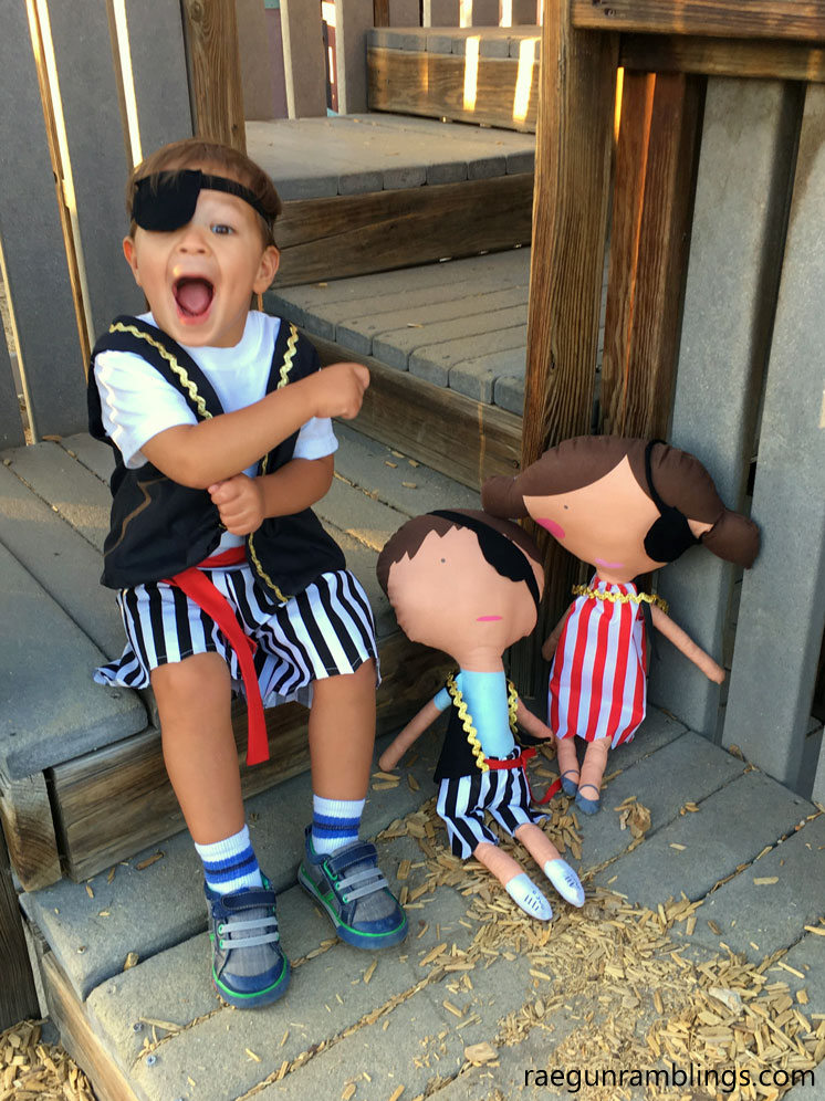 Adorable pirate costumes for dolls and eye patch tutorial. Free costume sewing pattern