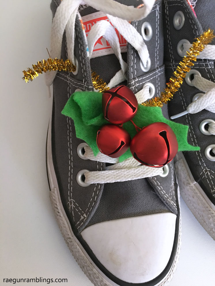 Easy to remove Christmas jingle bell bling. Holly shoe tutorial.